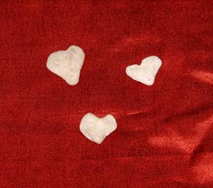 Three_hearts_red